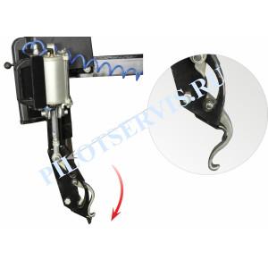 Вспомогательное устройство для монтажа и демонтажа борта шины без использования монтировки